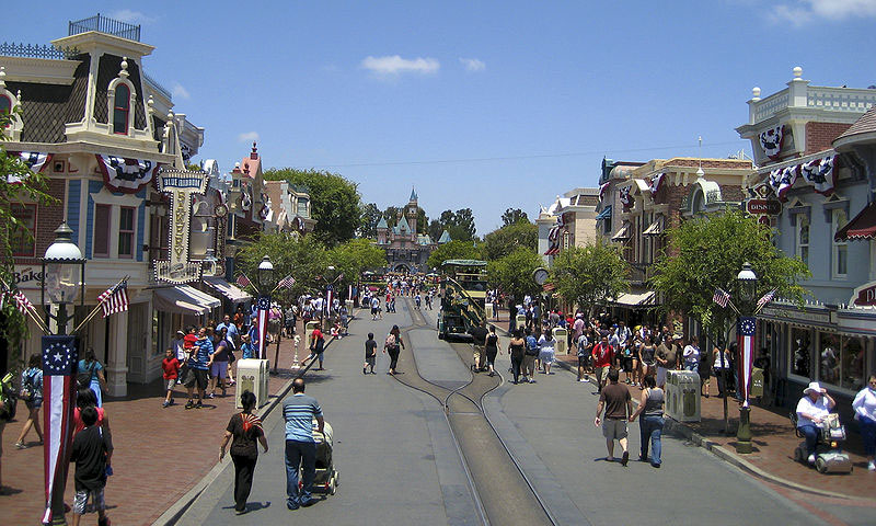 5 Of The Coolest Things to Do at Disneyland